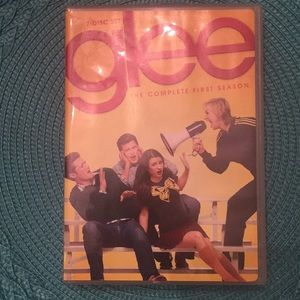 Accessories - 😎 3 for $10‼️ Complete first season Glee DVD set